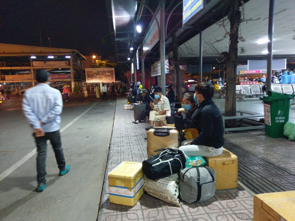 Grab things back to Ho Chi Minh City after Tet holiday.  Photo: Minh Quan