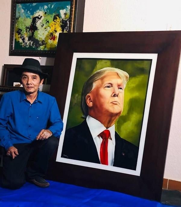Notably, during the visit to Vietnam and to attend the 2nd US-Korea Summit in 2019 by US President Donald Trump, painter Doan Viet Tien was selected to paint this president's portrait.  The painting has become a unique diplomatic gift of Vietnam, very excited by President Donald Trump.